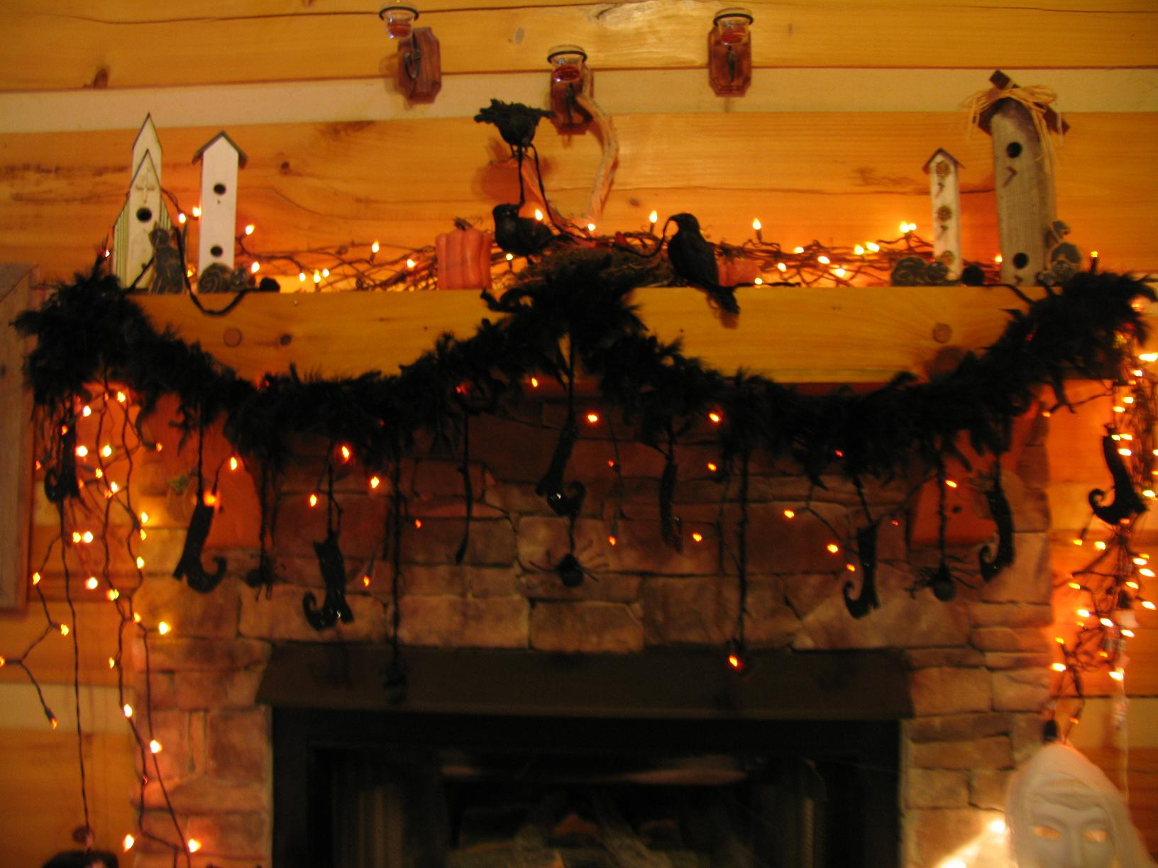Glitter And Feathers Make A Fun Halloween Garland With A Little Glamour
