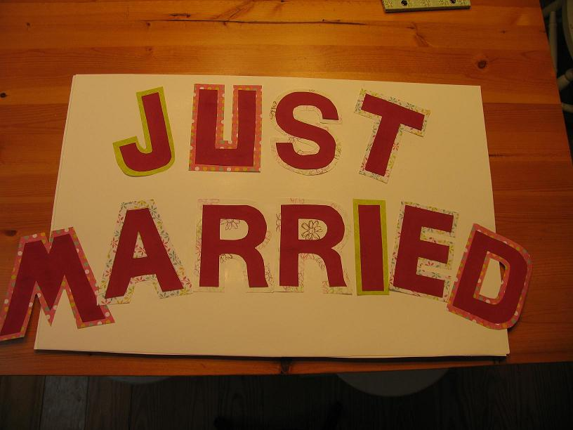 very easy to make wedding party signs