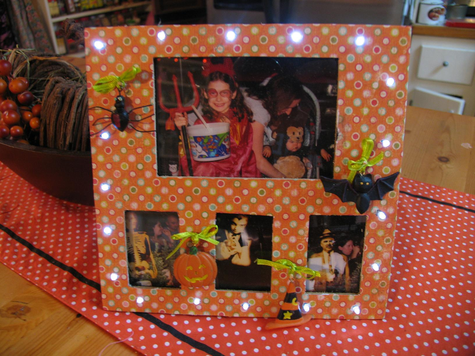 Light up halloween picture frame this jeuxipadfo Choice Image