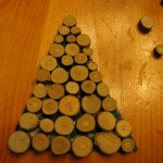keep adding wood pieces until tree is covered 150x150 Christmas tree ornaments made with wood pieces